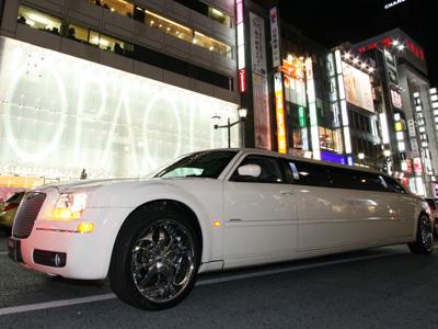 予算15,000円以上のビンゴゲームおすすめ景品『リムジンペア乗車体験』